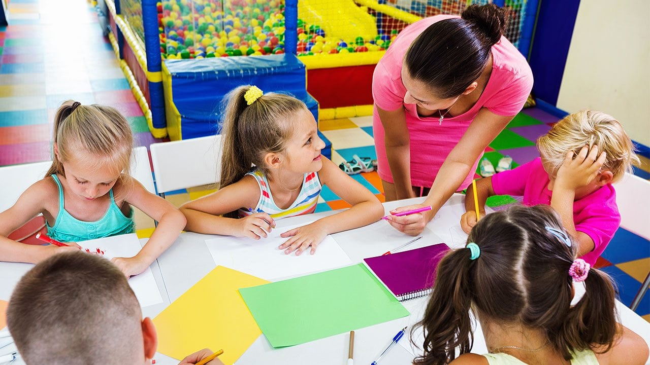 Teacher's aide training is a must-have for educational assistant programs
