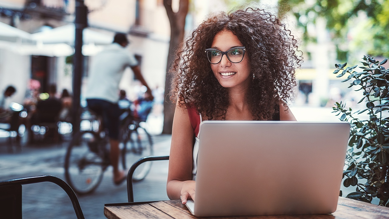 How Freelancers Can Thrive with a Business Administration Diploma