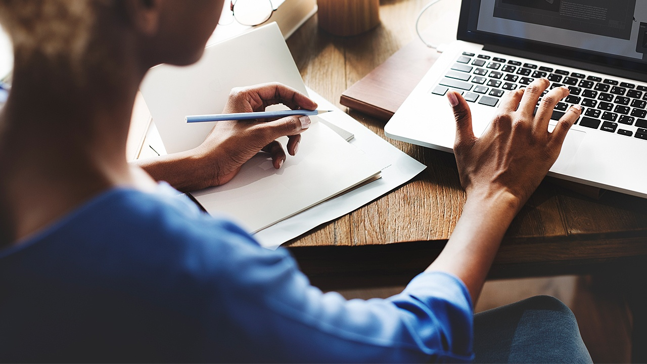 Business administration training can give freelancers important computer skills