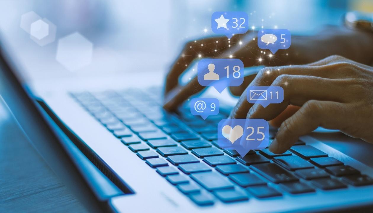 Social Media and Tourism Marketing for Hospitality Graduates
