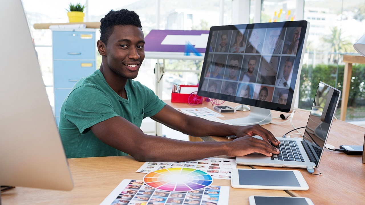 Online Photoshop Course for your Marketing Training!