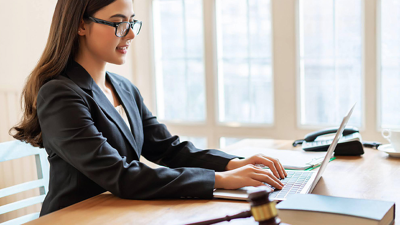 5 Legal Assistant Qualities to Build for Business Success