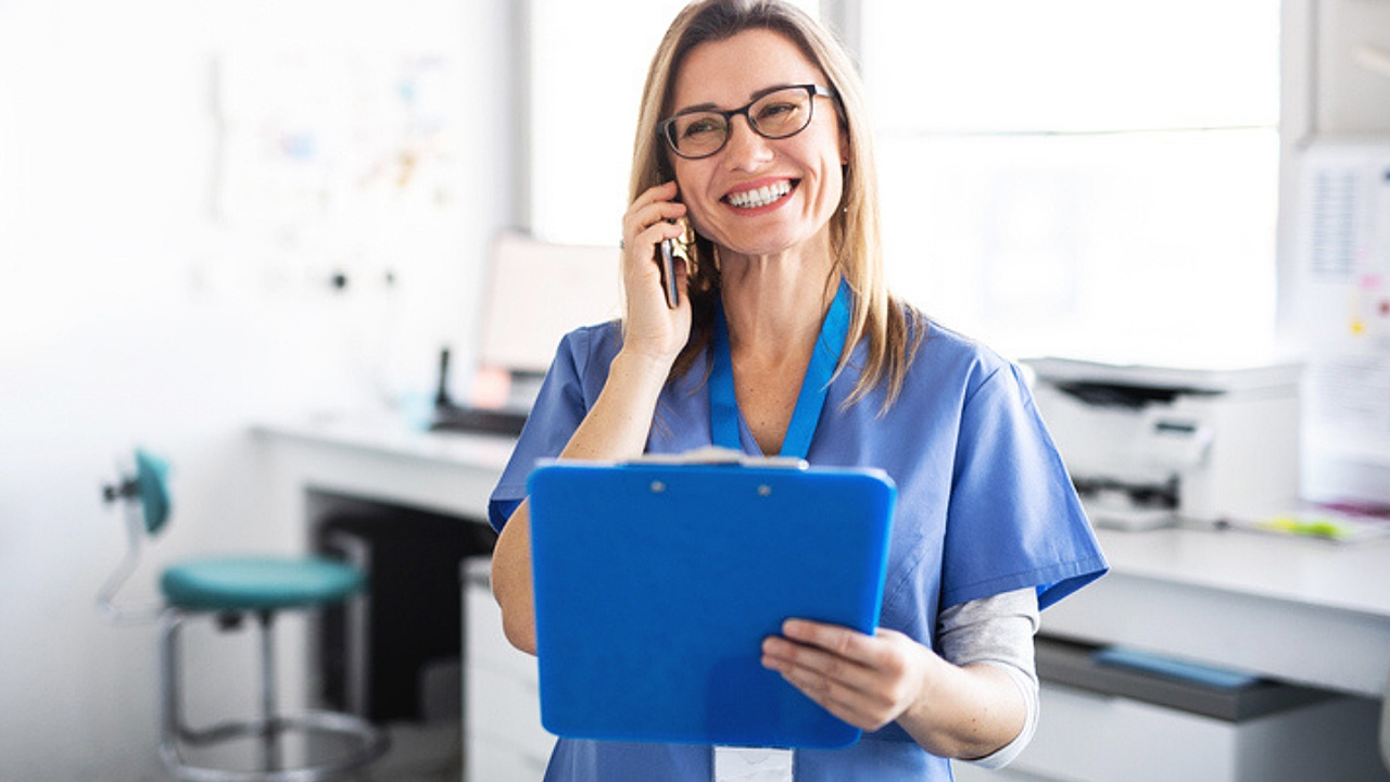 5 Reasons to Consider a Career as a Medical Office Assistant